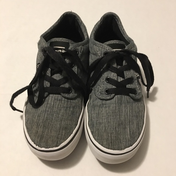 95a7d4b8c0 Vans Off The Wall Gray Canvas Sneakers Youth Sz2